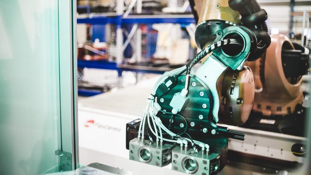 Integrieren Sie beliebige 5-Achsen-Maschinen mit Nullpunkt oder ohne Paletten in ein Fabrikautomatisierungssystem (FFS).